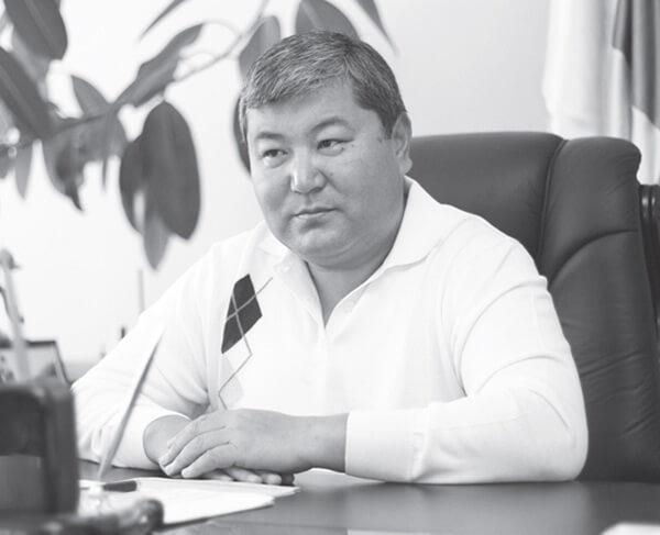 """Мелис Мырзакматов: """"Мугалимдерге биринчи кезекте камкордук көрөбүз"""""""